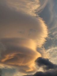 Cloud, lenticular cloud, TARDIS, wormhole, space and time, science fiction, hurricane, Romania, Magura